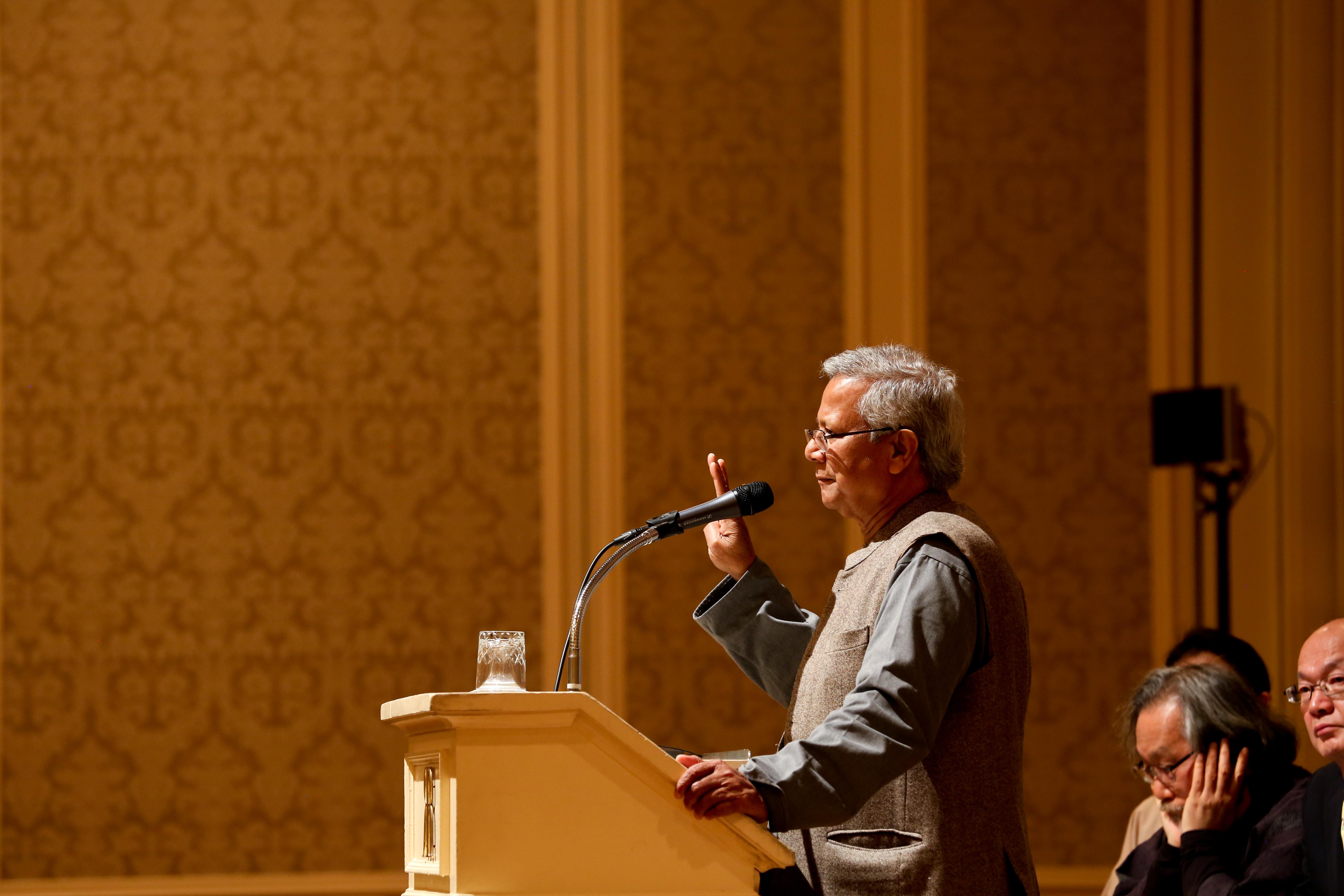 ノーベル平和賞受賞者 ムハマド・ユヌス博士